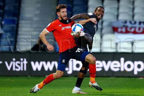 31st October 2020; Kenilworth Road, Luton, Bedfordshire, England; English Football League Championship Football, Luton Town versus Brentford; Ivan Toney of Brentford competes for the ball with Tom Lockyer of Luton Town