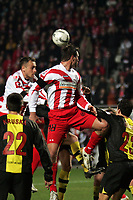 Kopfball Marius Nikulae (FSV Mainz 05) gegen Marc-Andre Kruska und Philipp Degen (beide Borussia Dortmund)