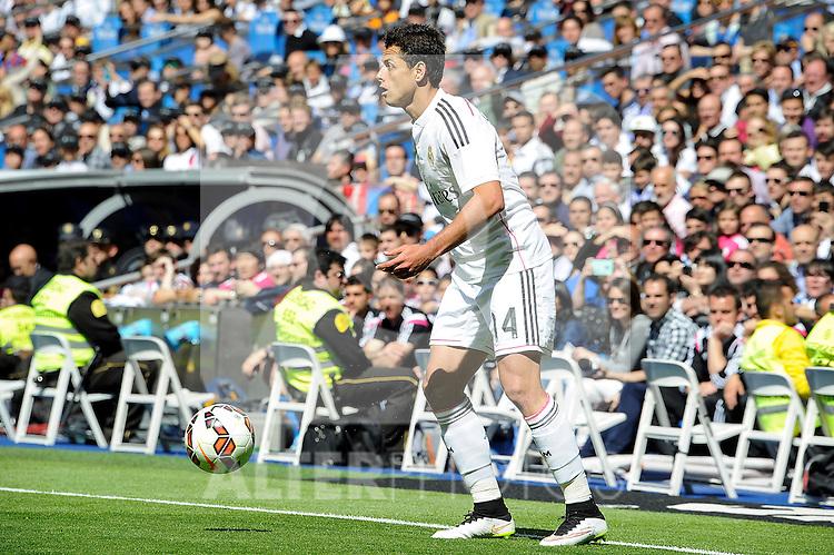 Real Madrid´s Chicharito during 2014-15 La Liga match between Real Madrid and Eibar at Santiago Bernabeu stadium in Madrid, Spain. April 11, 2015. (ALTERPHOTOS/Luis Fernandez)