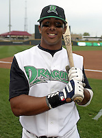 April 20, 2004:  Chris Dickerson of the Dayton Dragons, Midwest League (A) affiliate of the Cincinnati Reds, during a game at Fifth Third Field in Dayton, OH.  Photo by:  Mike Janes/Four Seam Images