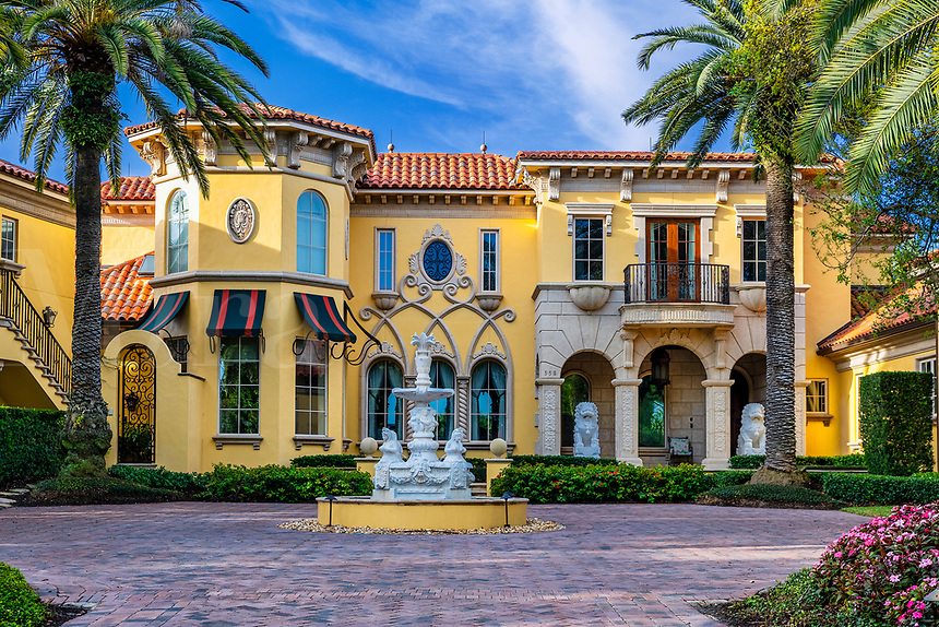 Exquisite upscale home in Old Naples.
