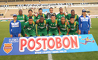 TUNJA - COLOMBIA -09-04-2014: Los jugadores de La Equidad posan para una foto durante partido Patriotas FC y La Equidad por la fecha 16 por la Liga de la Liga Postobon I 2014 en el estadio La Independencia en la ciudad de Tunja. / The players of La Equidad pose for a photo during a match Patriotas FC and La Equidad for the date 16th of the Liga de Postobon I 2014 at the La Independencia stadium in Tunja  city. Photo: VizzorImage  / Jose M. Palencia / Str. (Best quality available)