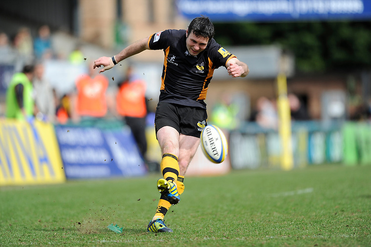 Stephen Jones of London Wasps takes a penalty kick during the Aviva Premiership match between London Wasps and Exeter Chiefs at Adams Park on Sunday 21st April 2013 (Photo by Rob Munro)