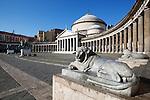 Italy, Campania, Naples: Piazza del Plebiscito and the church of San Francesco di Paola | Italien, Kampanien, Neapel: Piazza del Plebiscito und die Kirche San Francesco di Paola