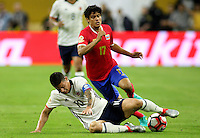 HOUSTON - UNITED STATES, 11-06-2016: James Rodriguez (Izq) jugador de Colombia (COL) disputa el balón con Yeltsin Tejada (Der) jugador de Costa Rica (CRC) durante partido del grupo A fecha 3 por la Copa América Centenario USA 2016 jugado en el estadio NRG en Houston, Texas, USA. /  James Rodriguez  (L) player of Colombia (COL) fights the ball with Yeltsin Tejada (R) player of Costa Rica (CRC) during match of the group A date 3 for the Copa América Centenario USA 2016 played at NRG stadium in Houston, Texas ,USA. Photo: VizzorImage/ Luis Alvarez /Str