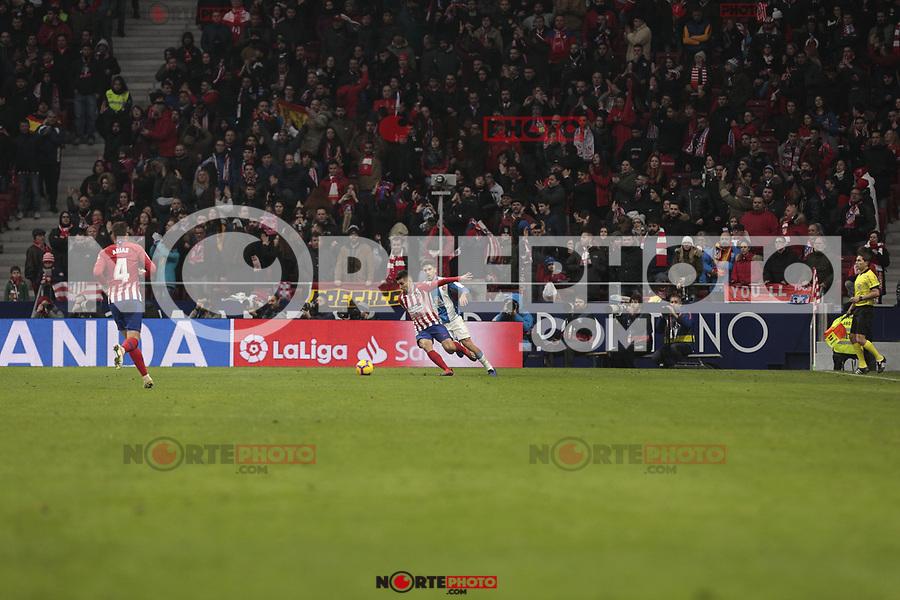 Atletico de Madrid's Angel Martin Correa and RCD Espanyol's Leo Baptistao during La Liga match between Atletico de Madrid and RCD Espanyol at Wanda Metropolitano Stadium in Madrid, Spain. December 22, 2018. (ALTERPHOTOS/A. Perez Meca) /NortEPhoto.com