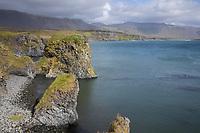 "Küste zwischen Arnarstapi und Hellnar, Halbinsel Snæfellsnes, West-Island, Felsküste, Meeresküste, Kliffs, Kliffe, ""Ströndin"", Nordatlantik, Atlantik, Atlantischer Ozean, Island, Iceland"