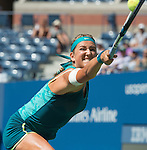 Victoria Azarenka (BLR) defeats Varvara Lepchenko (USA) 6-3, 6-4