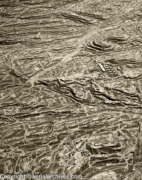 aerial photograph of the Kern River Oil Field near Bakersfield, Kern County, California