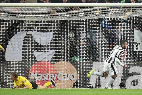 24.02.2015. Turin, Italy. EUFA Champions League football. Juventus versus Borussia Dortmand. Juve celebrate as they go up 1-0 to a Tevez goal