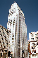 San Francisco:  Pacific Telephone. Miller & Pflueger, 1925. (Inspired by Eliel Saarinen's second prize in Tribune Tower.)