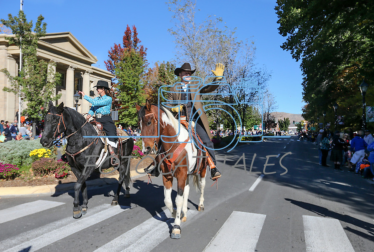 U.S. Sen. Dean Heller and his wife Lynne ride in the Nevada Day parade in Carson City, Nev., on Saturday, Oct. 31, 2015. <br /> Photo by Cathleen Allison