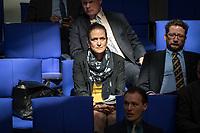 Sitzung des Deutschen Bundestag am Mittwoch den 18. April 2018.<br /> Im Bild vlnr.: Die AfD-Abgeordneten Nicole Hoechst und Berengar Elsner von Gronow.<br /> 18.1.2018, Berlin<br /> Copyright: Christian-Ditsch.de<br /> [Inhaltsveraendernde Manipulation des Fotos nur nach ausdruecklicher Genehmigung des Fotografen. Vereinbarungen ueber Abtretung von Persoenlichkeitsrechten/Model Release der abgebildeten Person/Personen liegen nicht vor. NO MODEL RELEASE! Nur fuer Redaktionelle Zwecke. Don't publish without copyright Christian-Ditsch.de, Veroeffentlichung nur mit Fotografennennung, sowie gegen Honorar, MwSt. und Beleg. Konto: I N G - D i B a, IBAN DE58500105175400192269, BIC INGDDEFFXXX, Kontakt: post@christian-ditsch.de<br /> Bei der Bearbeitung der Dateiinformationen darf die Urheberkennzeichnung in den EXIF- und  IPTC-Daten nicht entfernt werden, diese sind in digitalen Medien nach §95c UrhG rechtlich geschuetzt. Der Urhebervermerk wird gemaess §13 UrhG verlangt.]
