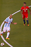 Photo before the match Argentina vs Chile corresponding to the Final of America Cup Centenary 2016, at MetLife Stadium.<br /> <br /> Foto previo al partido Argentina vs Chile cprresponidente a la Final de la Copa America Centenario USA 2016 en el Estadio MetLife , en la foto:(i-d) Eduardo Vargas de Chile y Javier Mascherano de Argentina<br /> <br /> <br /> 26/06/2016/MEXSPORT/JAVIER RAMIREZ