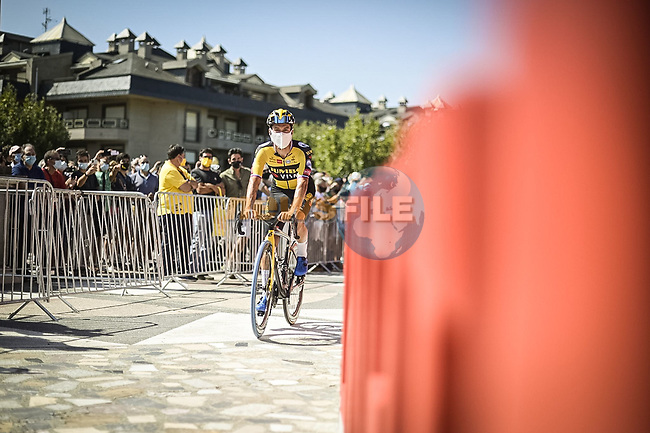 Primoz Roglic (SLO) Jumbo-Visma arrives at sign on before the start of Stage 16 of La Vuelta d'Espana 2021, running 180km from Laredo to Santa Cruz de Bezana, Spain. 31st August 2021.     <br /> Picture: Charly Lopez/Unipublic | Cyclefile<br /> <br /> All photos usage must carry mandatory copyright credit (© Cyclefile | Unipublic/Charly Lopez)