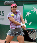 Na Li (CHN) loses first set to Kristina Mladenovic (FRA) at  Roland Garros being played at Stade Roland Garros in Paris, France on May 27, 2014