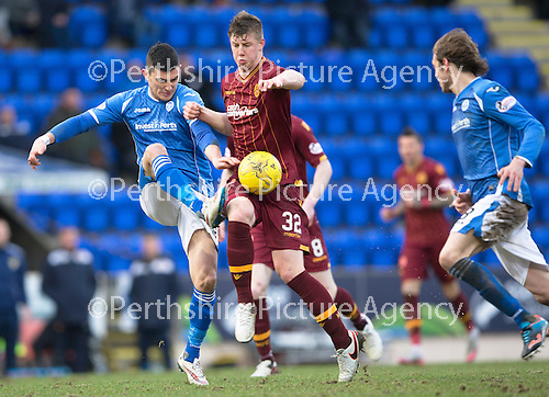 St Johnstone v Motherwell…20.02.16   SPFL   McDiarmid Park, Perth<br />Graham Cummins battles with Ben Hall<br />Picture by Graeme Hart.<br />Copyright Perthshire Picture Agency<br />Tel: 01738 623350  Mobile: 07990 594431