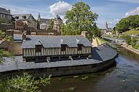 France, Morbihan (56),  Vannes: Les Vieux Lavoirs sur les bords de la Marle XV et XVII siècles // France, Morbihan (56) Vannes: The Old Wash houses on the banks of the Marle XV and XVII century