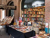Oudemanhuispoort  Bücherarkaden, Amsterdam, Provinz Nordholland, Niederlande<br /> Oudemanhuispoort book arcades), Amsterdam, Province North Holland, Netherlands