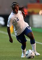 Wolfsburg , 270611 , FIFA / Frauen Weltmeisterschaft 2011 / Womens Worldcup 2011 , Gruppe B  ,  .England - Mexico .Eniola Aluko (England)  .Foto:Karina Hessland .