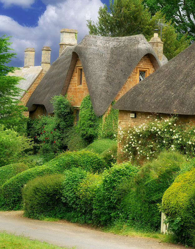 Thatched housesa in Great Tew, The Cotswolds, England