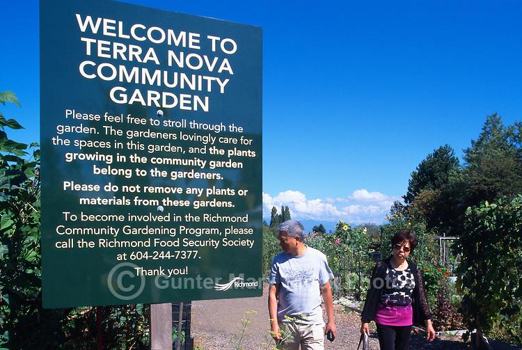 5th Annual Garlic Festival, August 2013 (hosted by The Sharing Farm) at Terra Nova Rural Park, Richmond, BC, British Columbia, Canada - Garlic Lovers stroll through Terra Nova Community Garden
