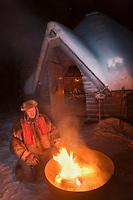 Europe/Finlande/Laponie/Lac Jerisjärvi: Repas traditionnel lapon dans la kota du pêcheur: Yaros