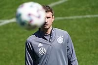 Thomas Mueller (Deutschland Germany) hat den Ball im Blick - Seefeld 30.05.2021: Trainingslager der Deutschen Nationalmannschaft zur EM-Vorbereitung