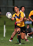Sarina Fiso Clark of Manurewa looks to pass. Premier Women's Rugby League, Papakura Sisters v Manurewa Wahine, Prince Edward Park, Auckland, Sunday 13th August 2017. Photo: Simon Watts / www.phototek.nz
