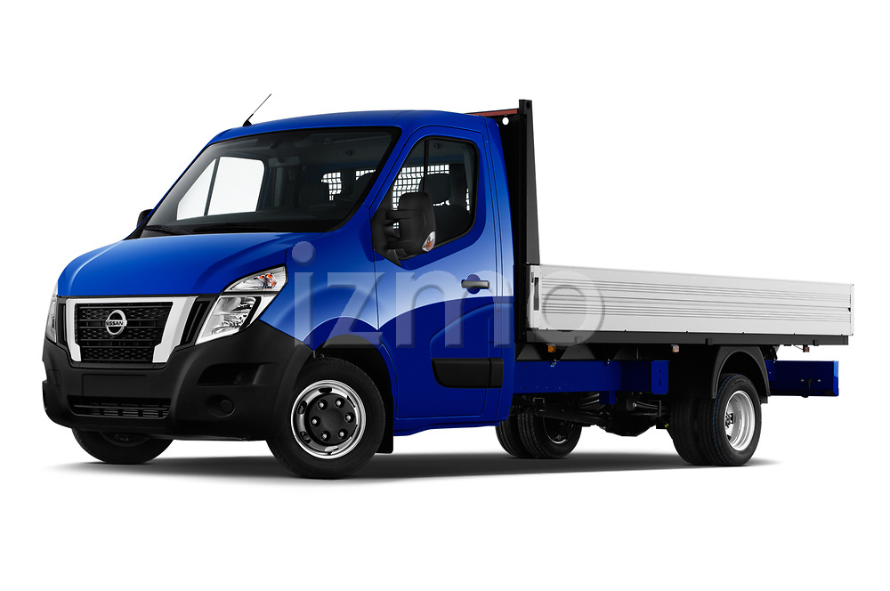 Stock pictures of low aggressive front three quarter view of 2021 Nissan NV400 Acenta 2 Door Chassis Cab Low Aggressive