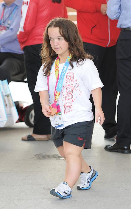 Danielle Kisser, Guadalajara 2011.<br /> Highlights from a VIP visit to the Athletes Village // Faits saillants d'une visite VIP au Village des athlètes. 11/18/2011.