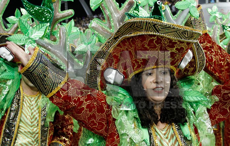 SÃO PAULO, SP, 06 DE MARÇO DE 2011 -  CARNAVAL 2011 / VILA MARIA  - Integrante da Vila Maria, no segundo dia dos desfiles as escolas do Grupo Especial de São Paulo, no Sambódromo do Anhembi, zona norte da capital paulista. (FOTO: VANESSA CARVALHO/ NEWS FREE)