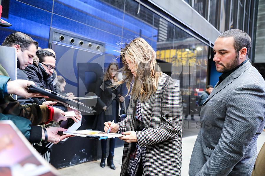 NOVA YORK, EUA, 12.02.2018 - JESSICA-BIEL - A atriz norte-americana Jessica Biel é vista chegando em um programa de televisão em Manhattan na cidade de Nova York nesta segunda-feira, 12. (Foto: William Volcov/Brazil Photo Press)
