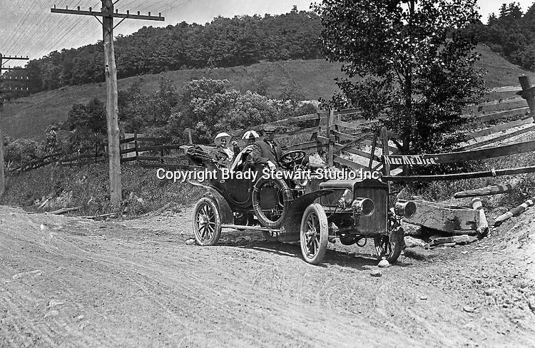 Pittsburgh-Greensburg Turnpike: Taking a ride on the Turnpike in Brady Stewart's new Buick Model F