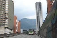 BOGOTA - COLOMBIA, 21-03-2020: Aspecto de las calles en Bogota durante el primer día de la cuarentena total en el territorio colombiano causada por la pandemia  del Coronavirus, COVID-19 / Aspect of the streets in Bogota during the first day of quarantine total quarantine in Colombian territory caused by the Coronavirus pandemic, COVID-19. Photo: VizzorImage / Cont