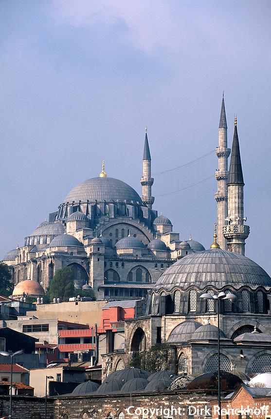 Tuerkei, Sueleymanye Camii (Moschee) und Ruestem Pascha Camii in Istanbul, erbaut 1550/1557 bzw 1560 von Sinan, Unesco-Weltkulturerbe