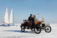 T- Ford op het ijs bij Monnickendam