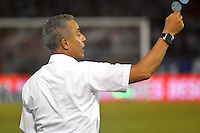 BARRANQUIILLA -COLOMBIA-13-12-2015: Alexis Mendoza técnico de Atlético Junior gesticula durante partido de vuelta entre Atletico Junior e Deportes Tolima por las semifinales de la Liga Aguila II 2015, jugado en el estadio Metropolitano Roberto Melendez de la ciudad de Barranquilla. / Alexis Mendoza coach of Atletico Junior gestures during a match for the second leg between Atletico Junior and Deportes Tolima for the semifinals of the Liga Aguila II 2015 played at the Metroplitano Roberto Melendez stadium in Barranquilla city.  Photo: VizzorImage/Alfonso Cervantes/