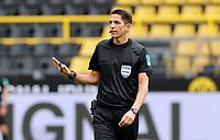 16th May 2020, Signal Iduna Park, Dortmund, Germany; Bundesliga football, Borussia Dortmund versus FC Schalke;  Referee Deniz Aytekinand gestures to the players