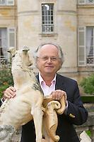 Gildas d'Ollone of the de Lencquesaing family. Chateau Pichon Longueville Comtesse de Lalande, pauillac, Medoc, Bordeaux, France