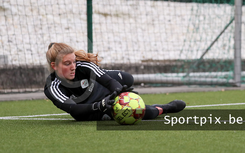 Faye Lammertijn goalkeeper of OHL (22) pictured during the warm up before a female soccer game between Oud Heverlee Leuven and Femina White Star Woluwe  on the 5 th matchday of the 2020 - 2021 season of Belgian Womens Super League , Sunday 18 th of October 2020  in Heverlee , Belgium . PHOTO SPORTPIX.BE | SPP | SEVIL OKTEM