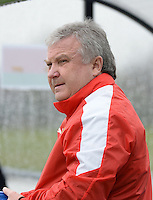 20160405  - Eibergen , NETHERLANDS : Belarussian coach Gennadi Pashkevich pictured during the soccer match between the women under 19 teams of Finland and Belarus , on the first matchday in group 3 of the UEFA Women Under19 Elite rounds in Eibergen , Netherlands. Tuesday 5 th April 2016 . PHOTO DIRK VUYLSTEKE / Sportpix.be