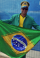 FORTALEZA - BRASIL -04-07-2014. Los hinchas brasileños disfrutan previo al juego de los cuartos de final entre Colombia (COL) y Brasil (BRA), hoy 4 de julio de 2014, por la Copa Mundial de la FIFA Brasil 2014 jugado en el Estadio Castelao de Fortaleza./ Fans of Brazil enjoy prior the match of the Quarter-Finals between Colombia (COL) and Brazil (BRA), today July 4 2014 for the 2014 FIFA World Cup Brazil played at Castelao stadium in Fortaleza. Photo: VizzorImage / Alfredo Gutiérrez / Contribuidor