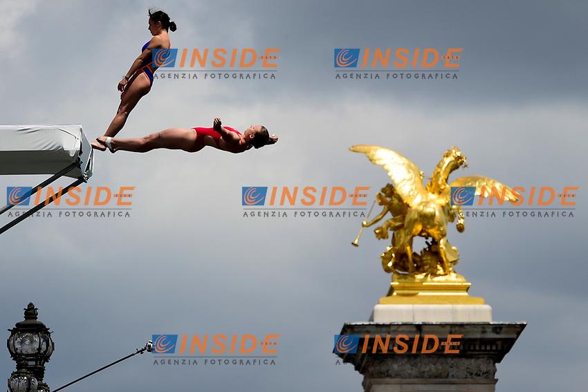 pont Alexandre III Tuffi  <br /> Parigi 23-06-2017 <br /> Manifestazione in favore della candidatura olimpica di Parigi per il 2024 <br /> Foto JB Autissier / Panoramic / Insidefoto