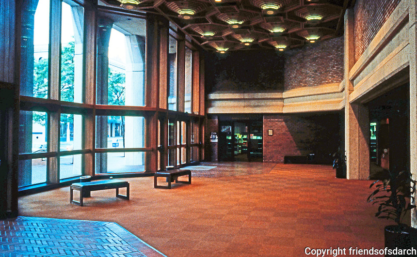 Seattle: Federal Office Building, 1974. Fred Bassetti & Co., John Graham & Co. Lower Lobby, 1st Ave. entrance. (This picture only hints at the beauty of this.)