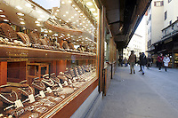 Jewellery shops at Ponte Vecchio (Old Bridge), in Florence.<br /> Gioiellerie a Ponte Vecchio, Firenze.<br /> UPDATE IMAGES PRESS/Riccardo De Luca