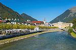 Austria, Upper Austria, Salzkammergut, Bad Ischl at river Traun | Oesterreich, Oberoesterreich, Salzkammergut, Bad Ischl: die Traun fliesst mitten durchs Zentrum, rechts das ehemalige Hotel Elisabeth