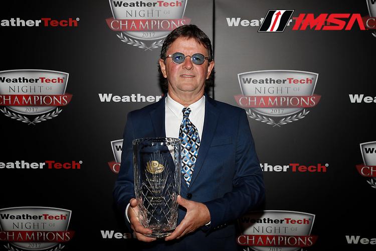 IMSA WeatherTech SportsCar Championship<br /> Night of Champions<br /> Road Atlanta, Braselton GA<br /> Monday 9 October 2017<br /> Wayne Taylor with VP Racing Fuels Front Runner award<br /> World Copyright: Michael L. Levitt<br /> LAT Images