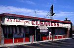 Laundry in San Fernando Valley - La Boutique cleaners on Ventura in Studio City