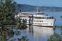 "Asie/Birmanie/Myanmar/Bagan: Rives de l'Irrawady et le bateau ""Road of Mandalay"""